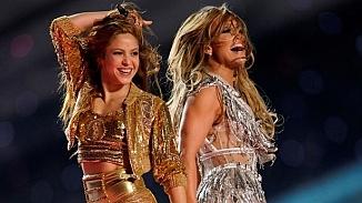 Shakira ve Jennifer Lopez'in Super Bowl'deki seksi dansları mahkemelik oluyor