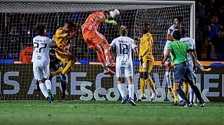 Tigres kalecisinin son dakika golü