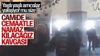 Camide saf tutmak isteyen cemaati imam uyardı! Arbede çıktı