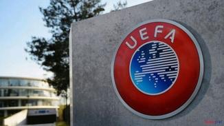 UEFA'dan İstanbul Başakşehir Futbol Kulübüne meşale cezası!