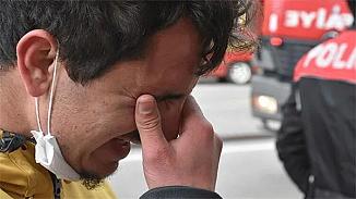 İşyerini yanarken gören çalışan gözyaşlarını tutamadı