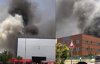 Ankara'da tıbbi ekipman üreten fabrikada korkutan yangın!