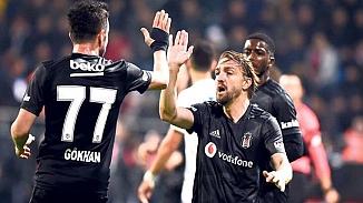 Fenerbahçe Gökhan Gönül ve Caner Erkin'i sosyal medya'da paylaştı