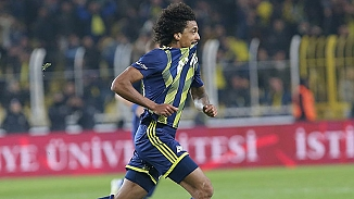 Fenerbahçe Luiz Gustavo'yu bırakmak istemiyor