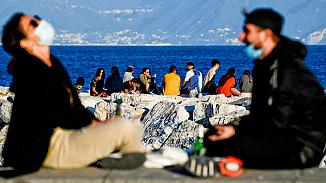 İtalya'da kısıtlama kararı esnetildi, halk normal hayatına döndü!