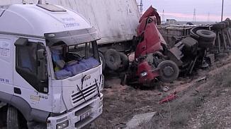 Konya'da 2 TIR birbirine girdi! 1 kişi öldü, 1 kişi de ağır yaralı
