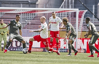 Mainz, pes etmedi 2-2
