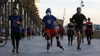 Ölü sayısı 25 bin 100'e yükselen İspanya'da sınırlı spor izni!