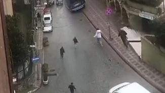 Eyüpsultan'da silahlı çatışma şüphesiyle mahkemeye sevk edilen 4 kişi serbest bırakıldı