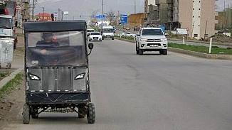 Hakkari'de yaşayan iki kardeş topladıkları hurda malzemelerden elektrikli araç yaptı