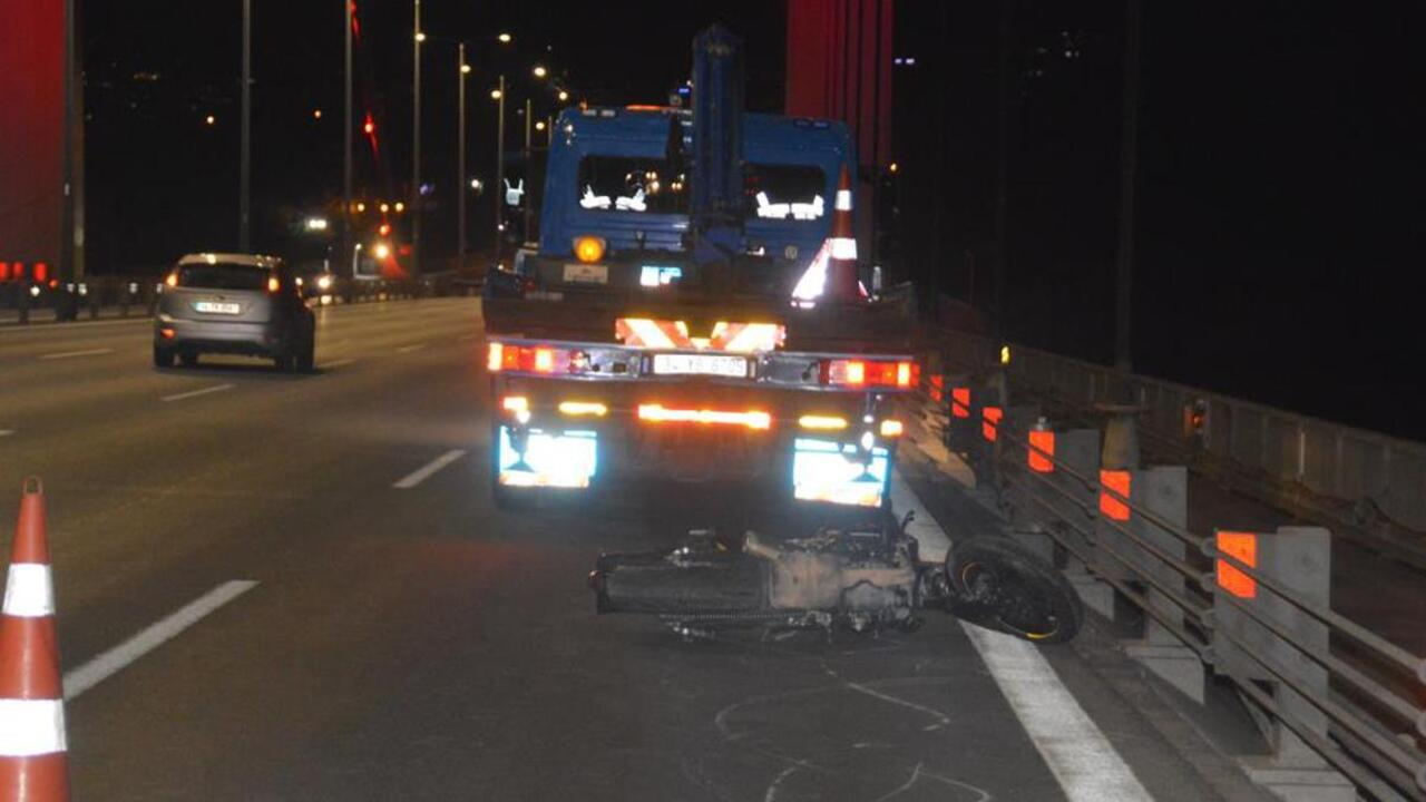 Motosiklette seyir halindeyken ön kaldırdı, direksiyon hakimiyetini kaybedip kaza yaptı!