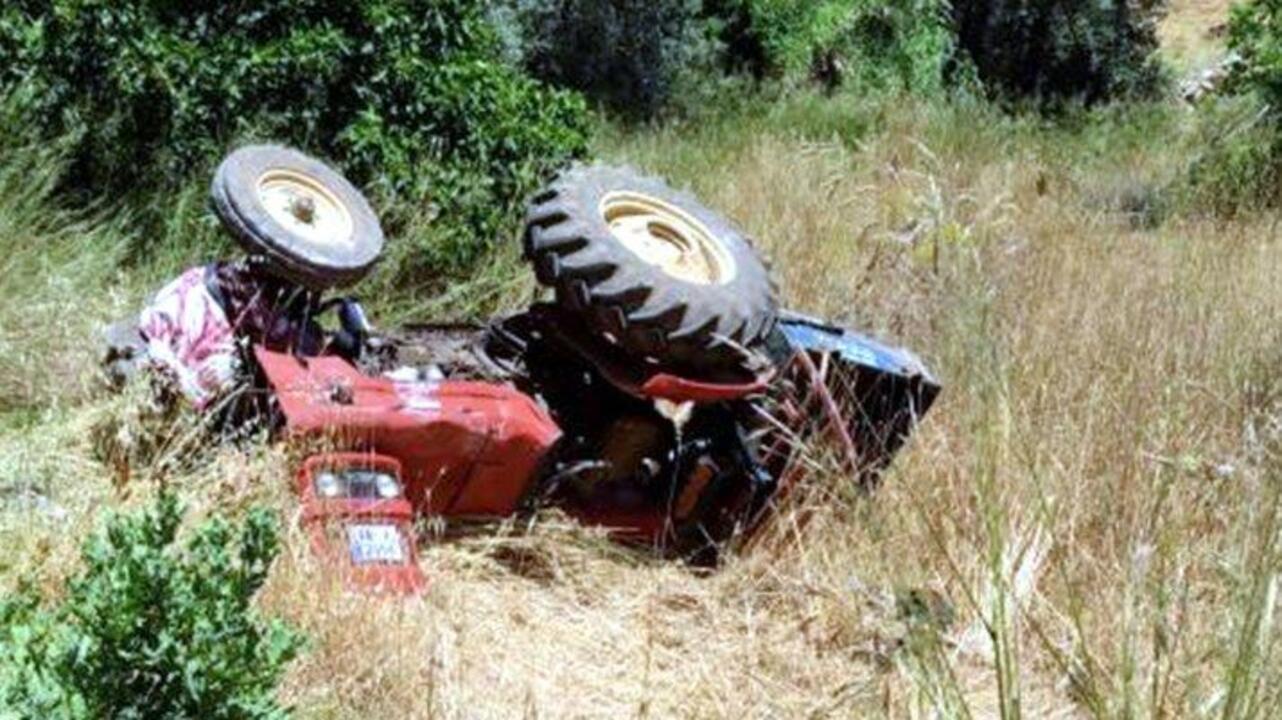 15 yaşındaki çocuk traktörü devirdi, kardeşi yaşamını yitirdi