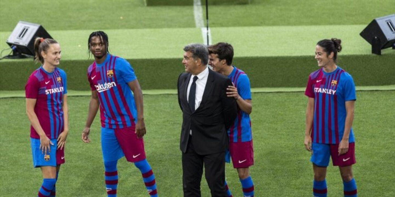 Barcelona yeni sezon formaları belli oldu