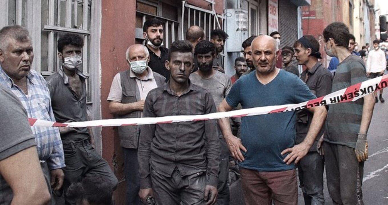 Bayrampaşa'da cila fabrikasında patlama