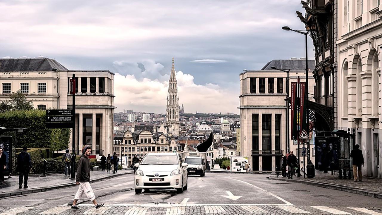 Brüksel'de 2035 yılı itibariyle benzinle ve LPG ile çalışan araçlar olmayacak