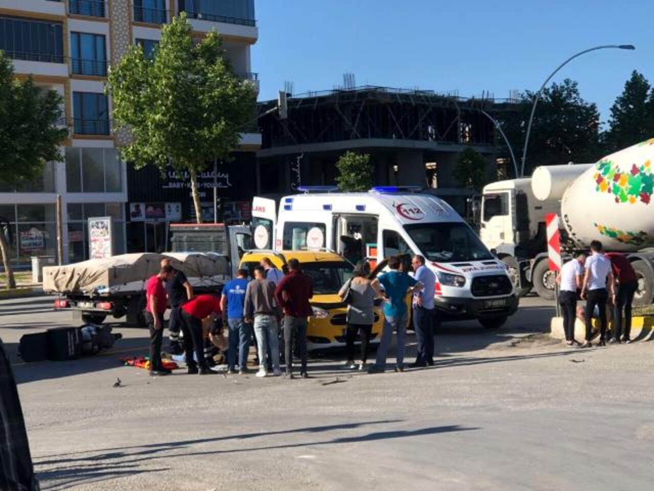 Çorum'da otomobil ve motosiklet çarpıştı: 1 yaralı
