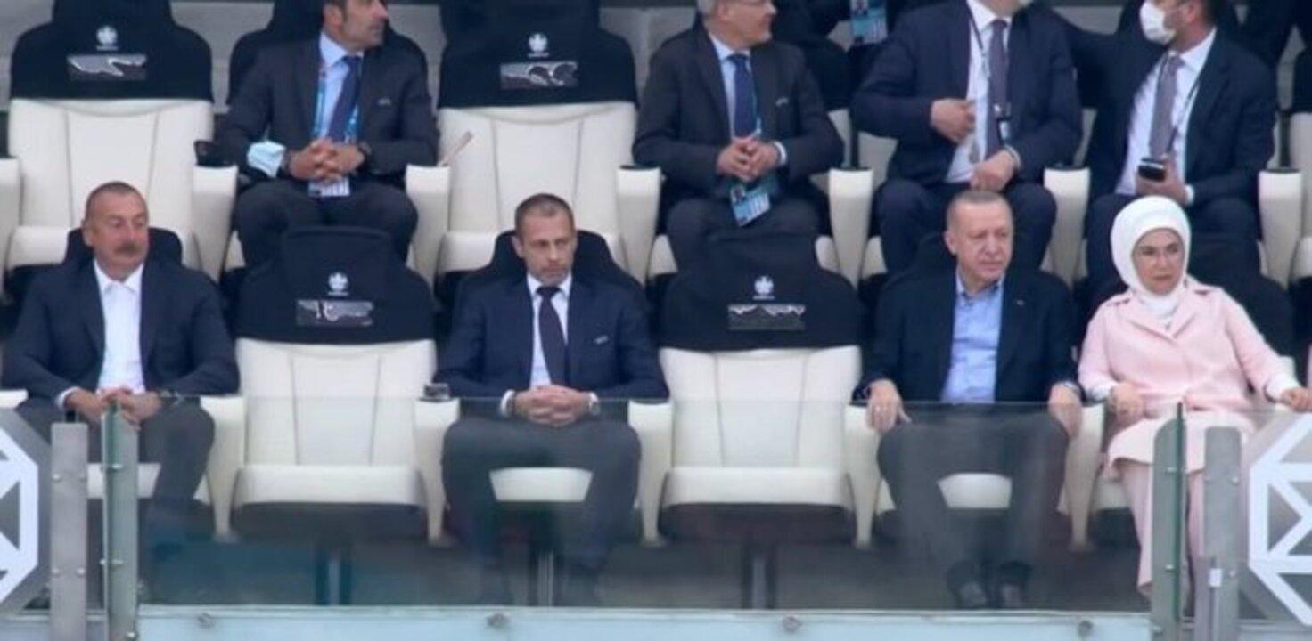 Cumhurbaşkanı Recep Tayyip Erdoğan, Milli takımımızın maçını takip etti!