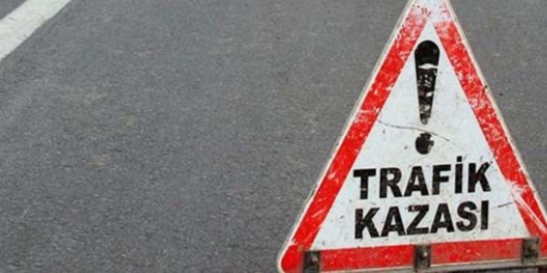 Edirne'de refüje çarpan motosikletteki 2 kişi yaralandı!