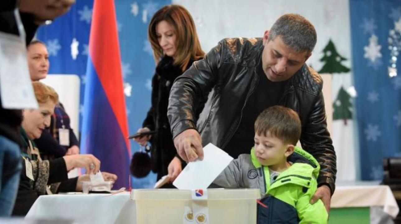 Ermenistan'da erken seçim başladı! Vatandaşlar sandık başında
