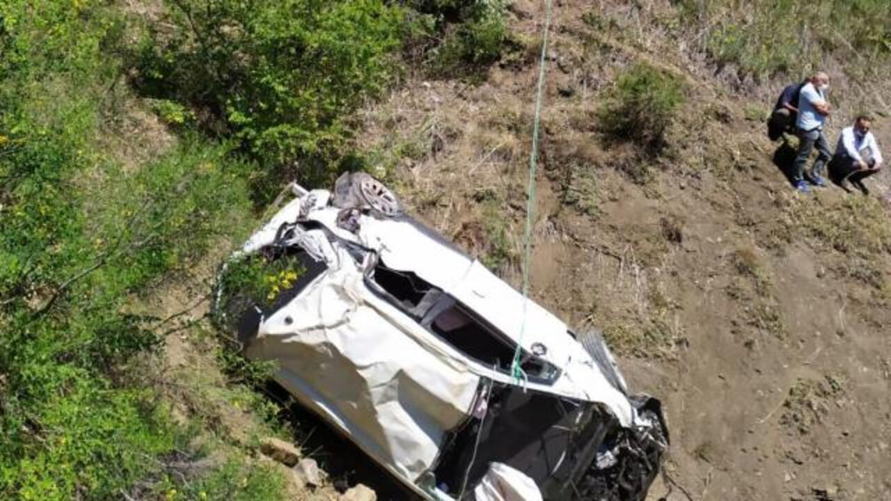 Giresun Çamoluk'ta otomobil 90 metrelik uçuruma düştü: 2 ölü, 2 yaralı!