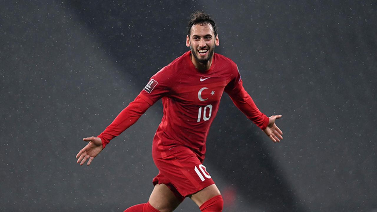 Hakan Çalhanoğlu'nun yeni forma giyeceği takım Inter oldu!