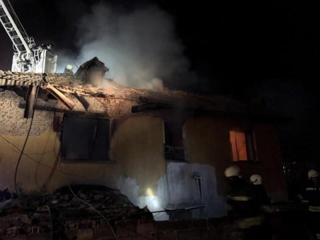 Konya'da bir ev alevlere teslim oldu: 3 çocuk yaşamını yitirdi