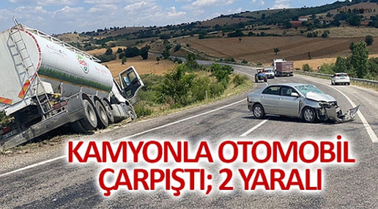 Kula'da kamyon ve otomobil kaza yaptı! 2 kişi yaralandı