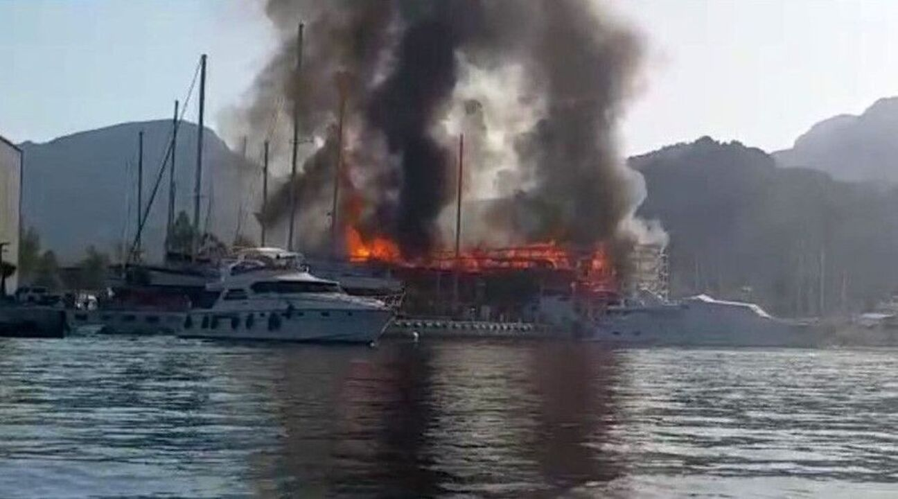 Marmaris'te 2 milyon liralık tekne küle döndü