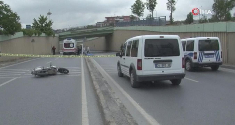 Mersin'de trafik levhalarına çarpan motosiklet sürücüsü hayatını kaybetti