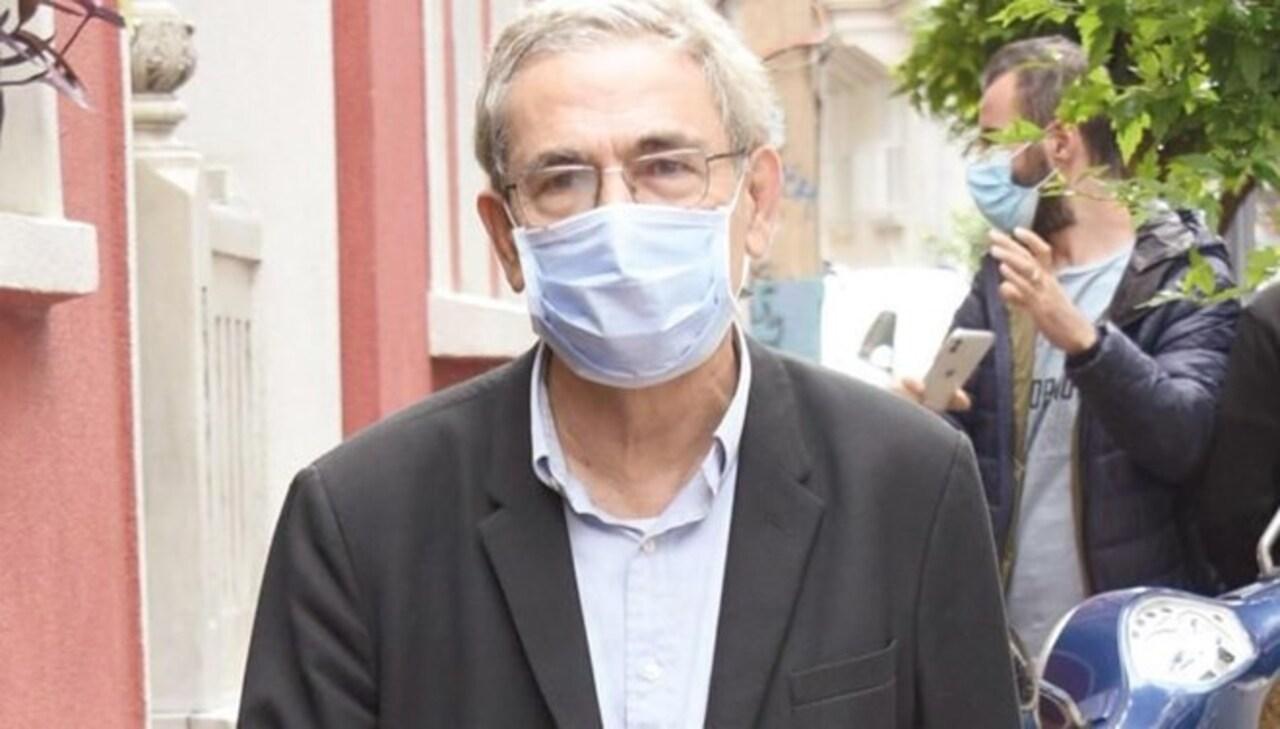 Orhan Pamuk, kendisine soru soran gazetecilere: