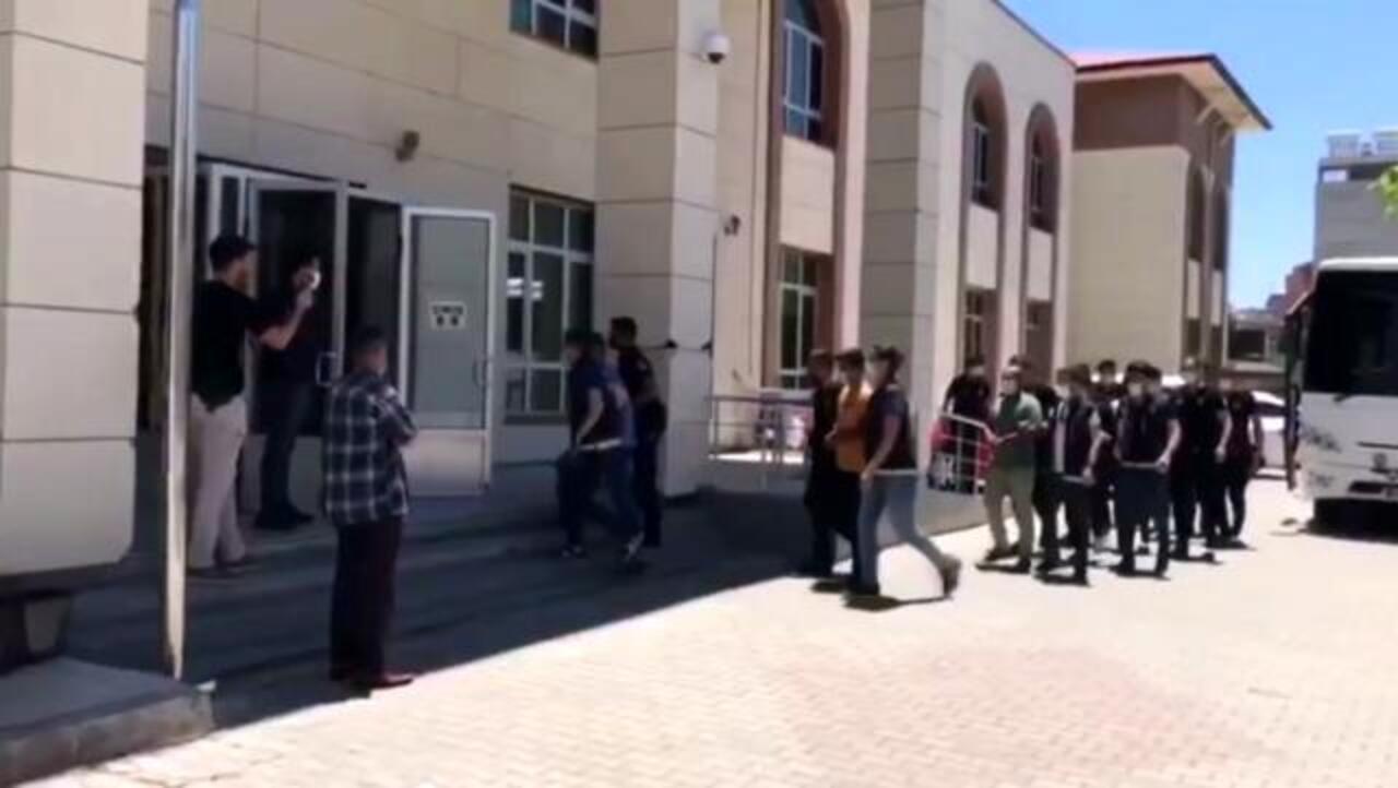 Şanlıurfa Bozova'da uyuşturucu operasyonu: 20 gözaltı!
