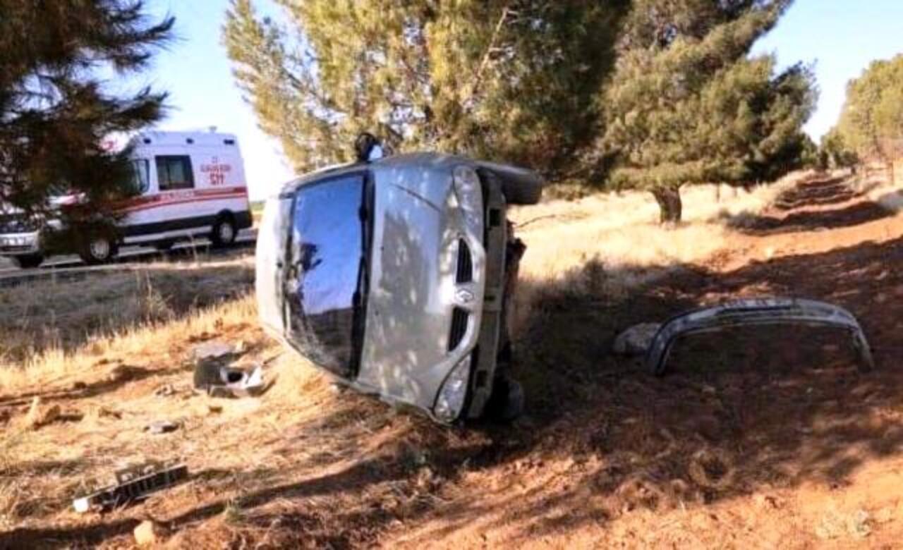 Şanlıurfa'da otomobil devrildi: 2 kişi yaralandı