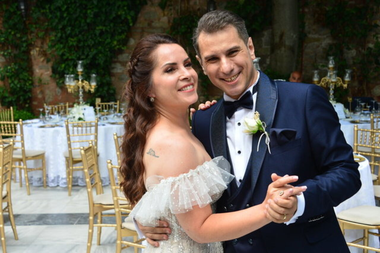Sevinç Erbulak'ın düğününe ünlü akını