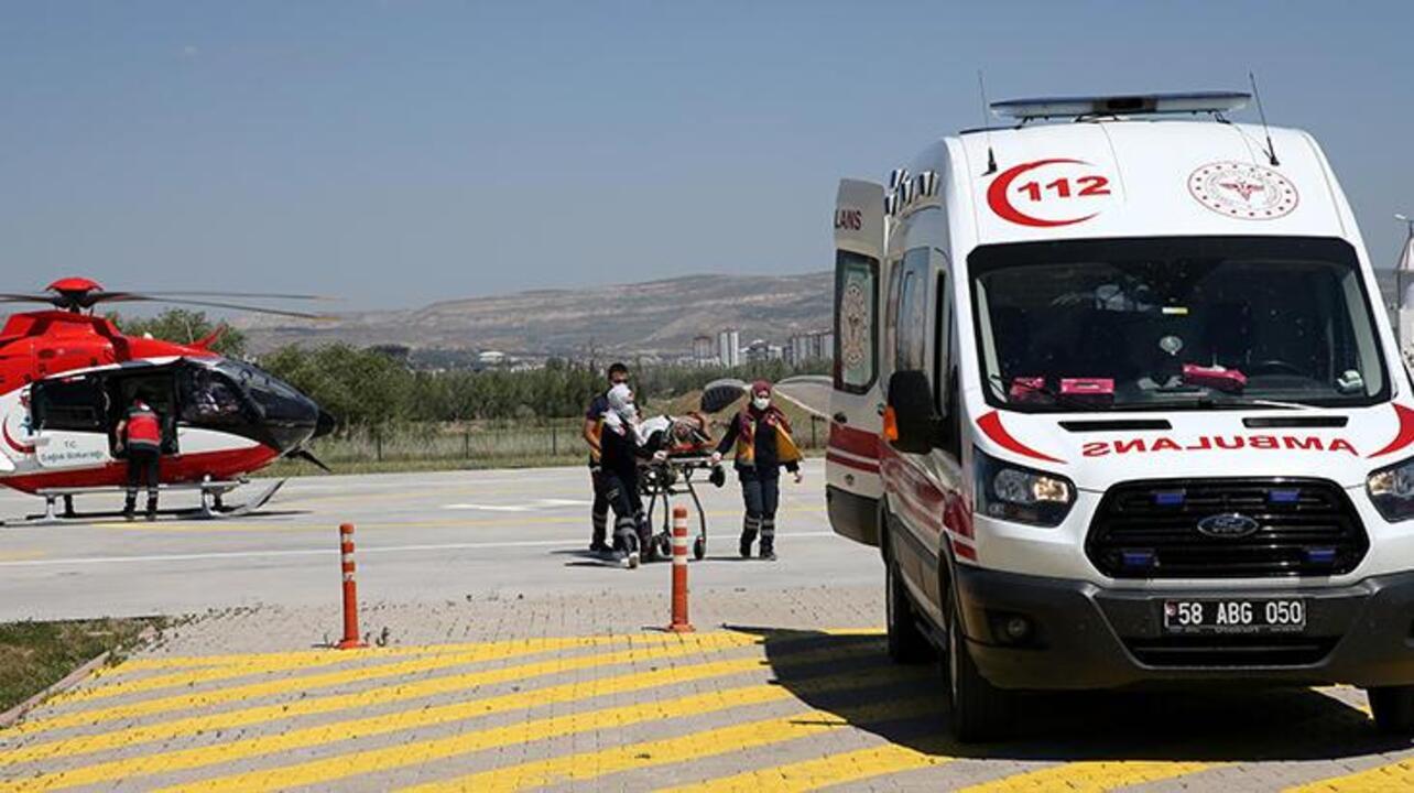 Sivas'ta otomobil istinat duvarına çarptı: 2 ölü, 2 yaralı