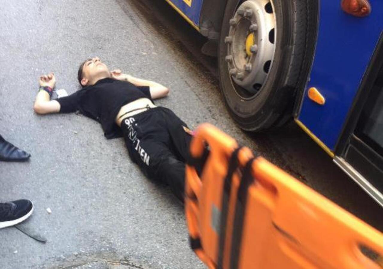 Trafikte paten süren çocuk otobüsün altında kaldı! Durumu ağır