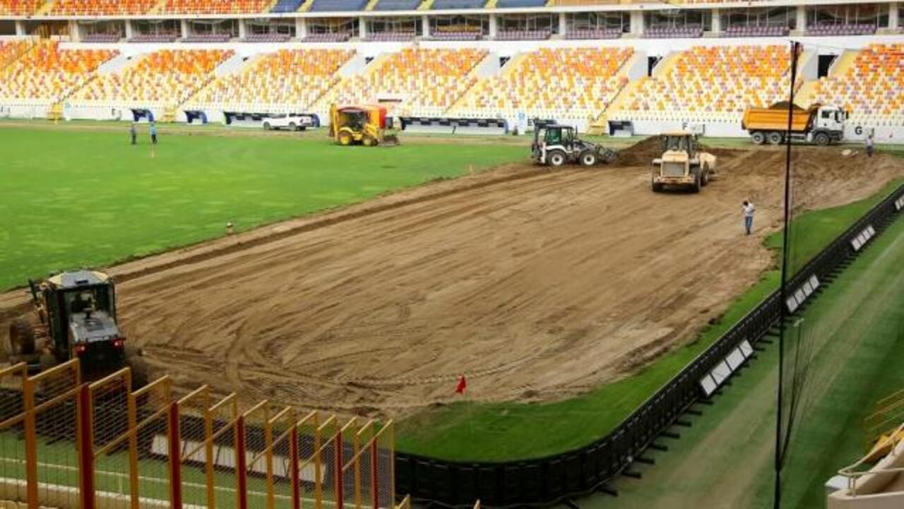 Yeni Malatyaspor'da çim değişikliği!