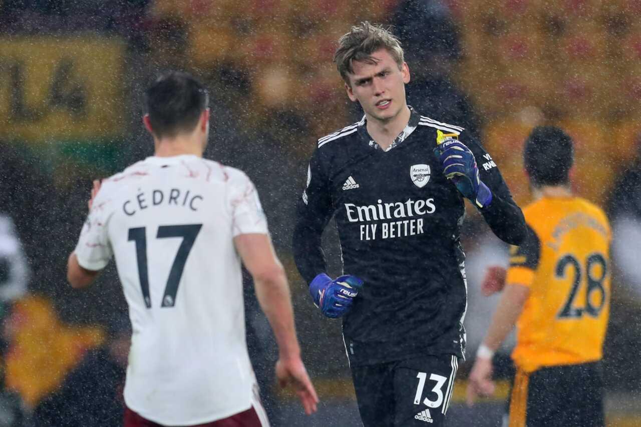 Altay, Arsenal'in kalecisi Alex Runarsson'un istiyor