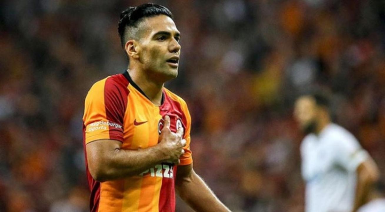 Galatasaray'da Radamel Falcao dün yapılan antrenmanda sakatlandı
