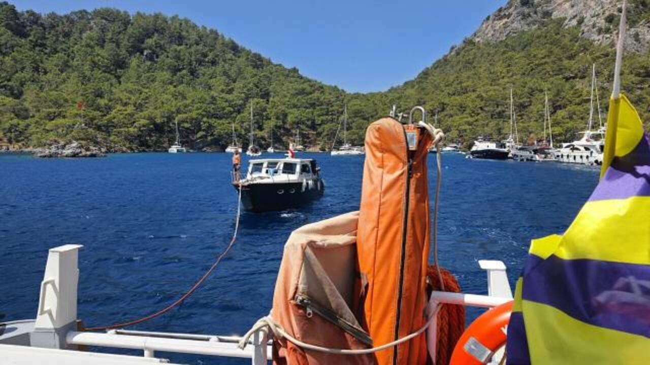 Göcek açıklarında sürüklenen teknedeki 4 kişi kurtarıldı