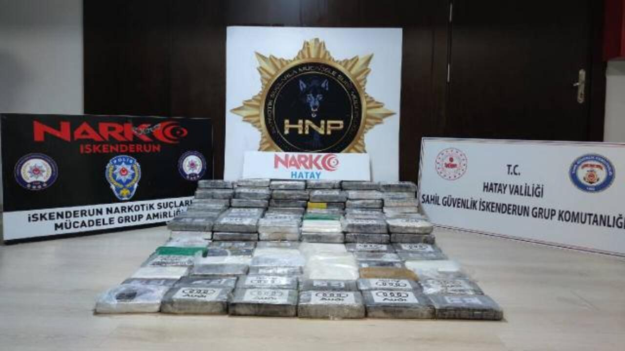 İskenderun Körfezi'nde kargo gemisinde 176,6 kilogram uyuşturucu operasyonu ele geçirildi