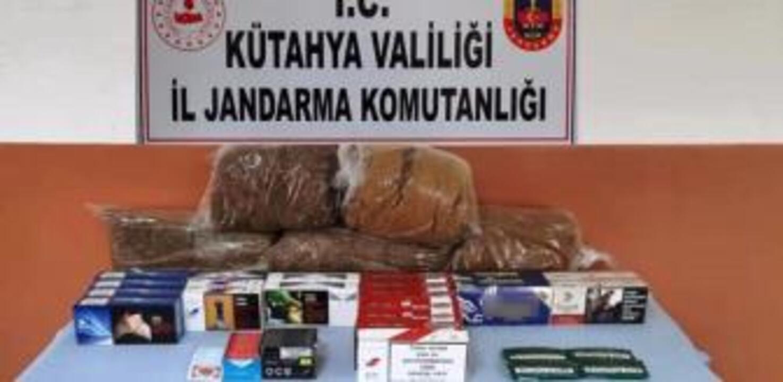 Kütahya'da bandrolsüz tütün ürünleri satan işyerine operasyon düzenlendi