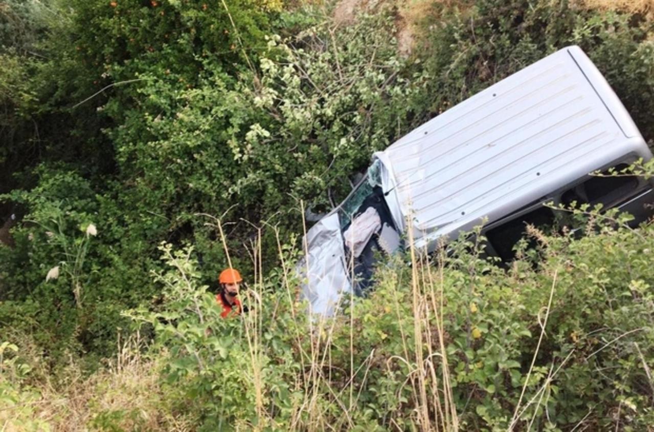 Şanlıurfa'da otomobil kamyonetle çarpıştı: 4 yaralı