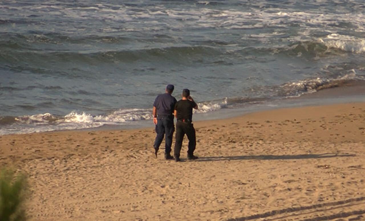 Kocaeli Kandıra'da yasak bölgede denize giren 1 kişi hayatını kaybetti, 2 kişi aranıyor