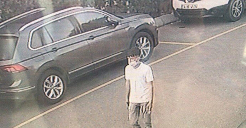 Küçükçekmece'de otomobilden 1 milyon liralık çek çalan hırsız yakalandı