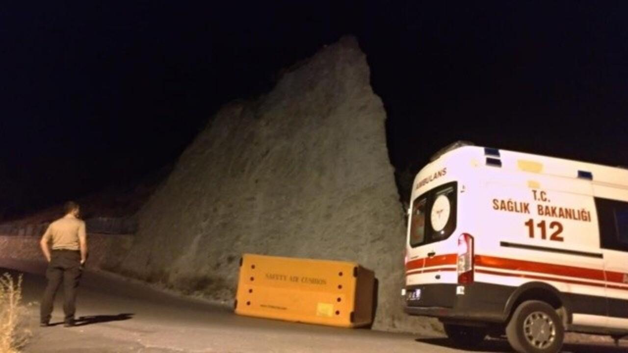 Kütahya'da babasıyla tartışan genç 20 metrelik kayalıklara çıkarak intihar etmek istedi