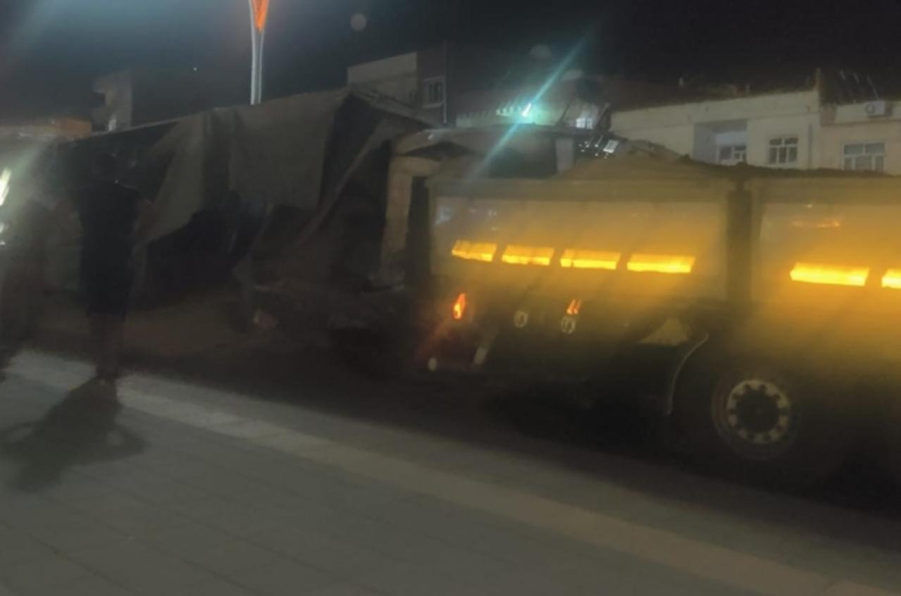 Mardin'de freni patlayan TIR bir başka TIR'a çarptı