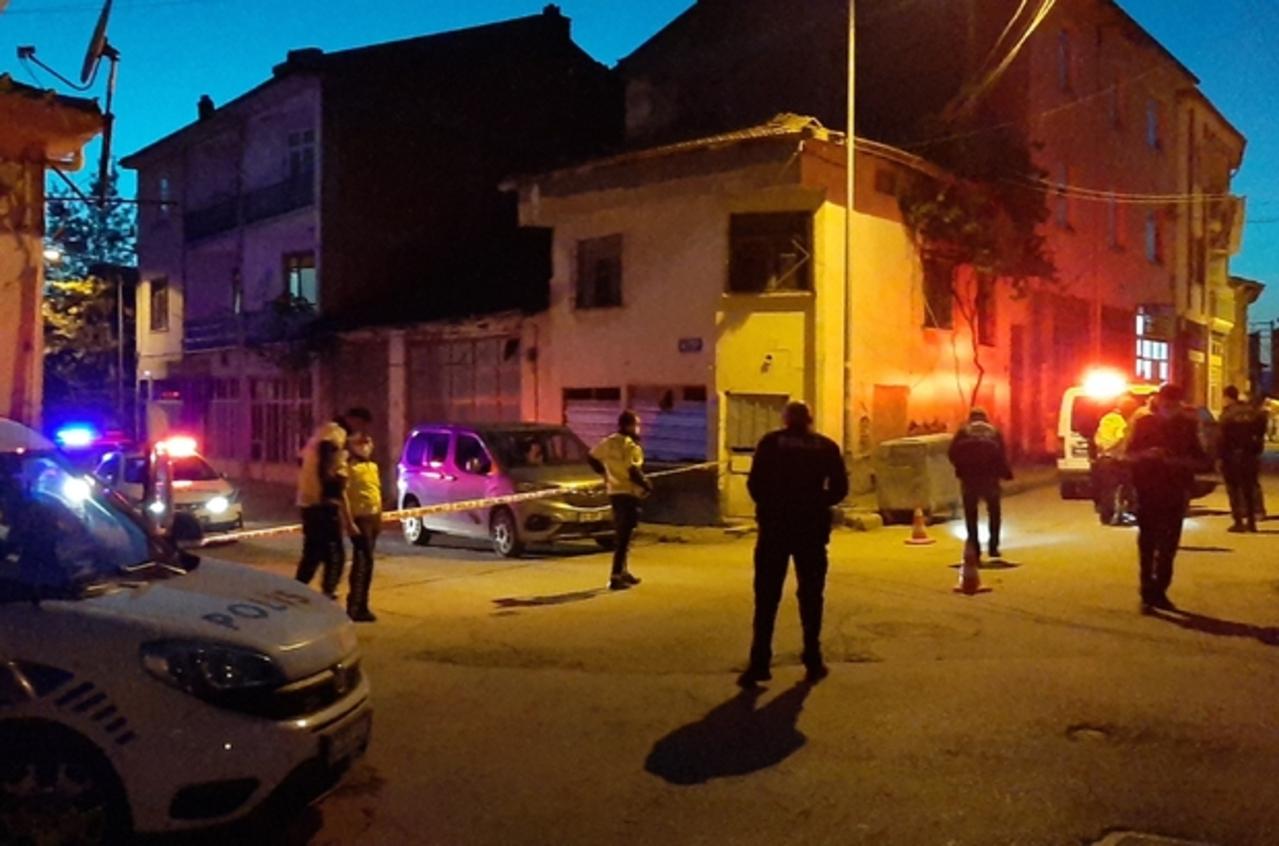 Çorum'da iki amcaoğlu arasında silahlı kavga çıktı: 2 yaralı