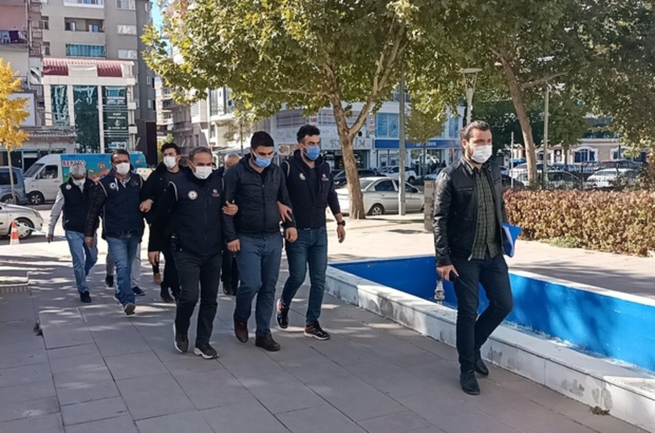 Kırşehir'de FETÖ operasyonu: 3 gözaltı