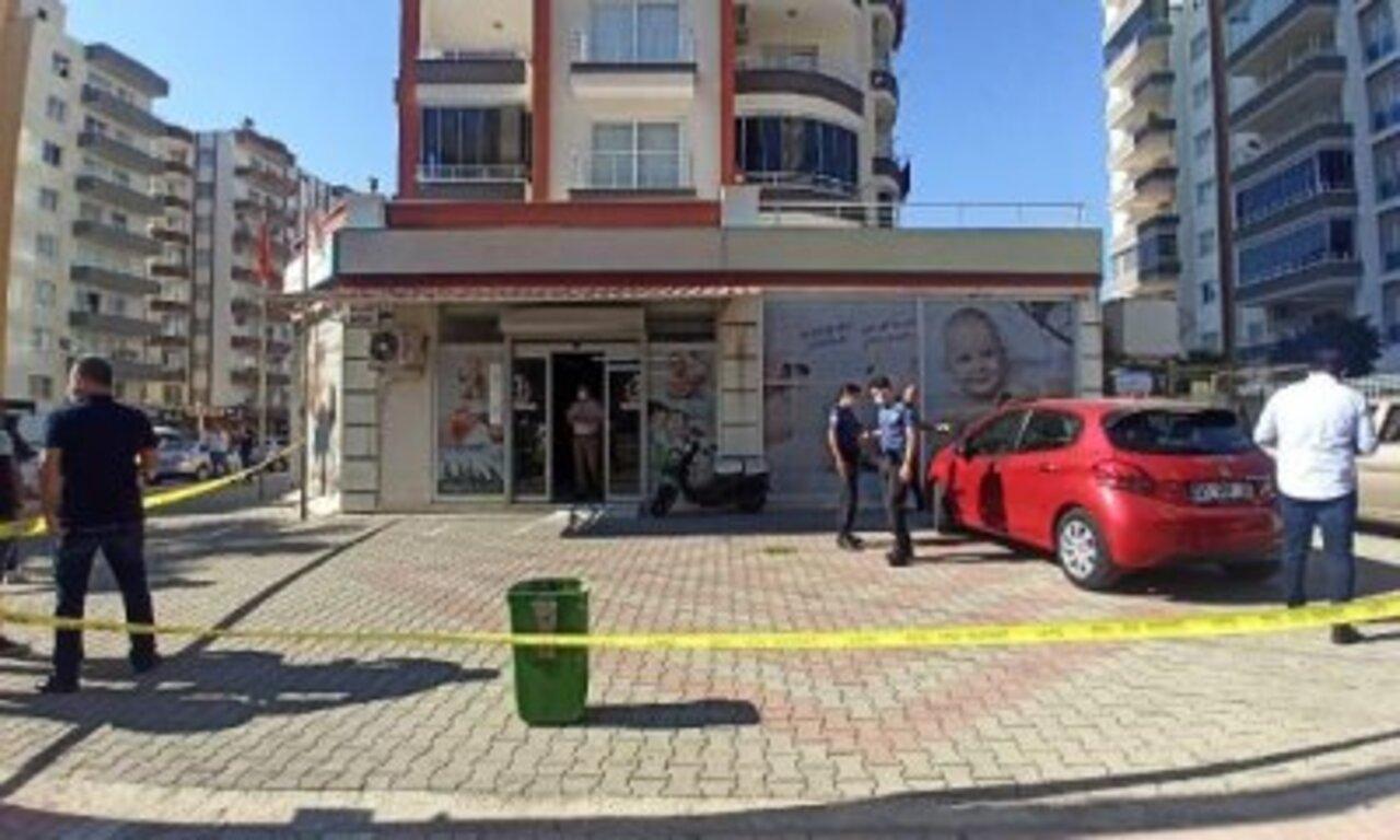 Mersin'de doktor tüfekle sağlık merkezini bastı! Doktor arkadaşını öldürdü