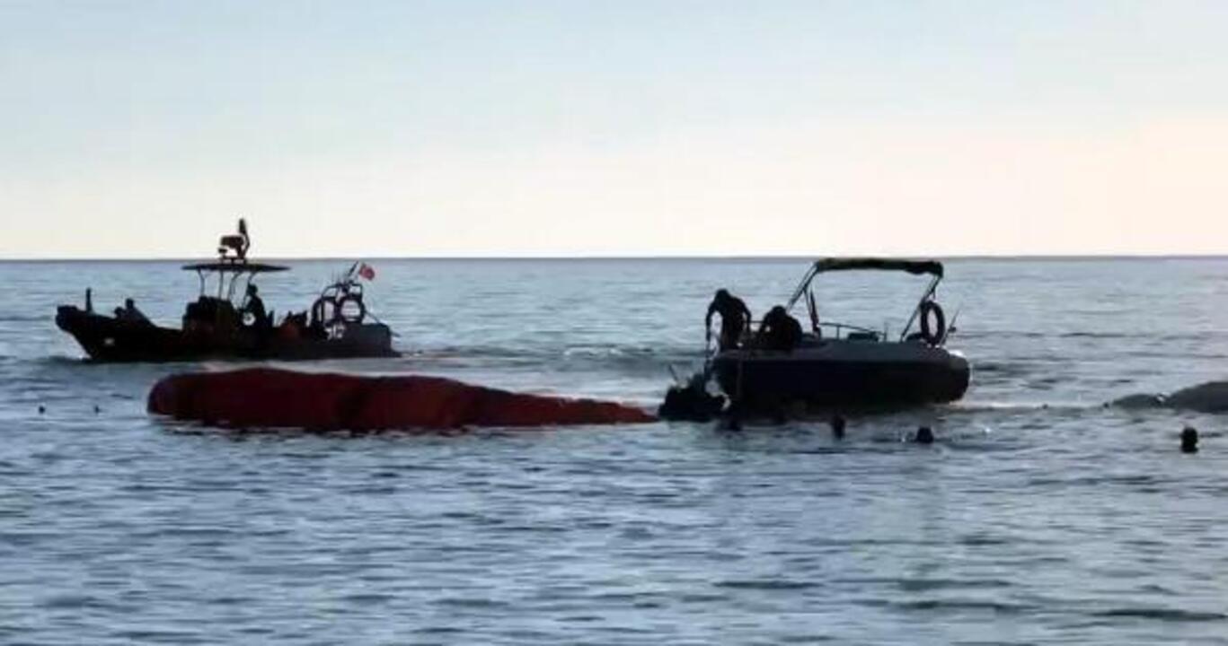 Ölüdeniz'de Ukraynalı kadın paraşütçü denize çakıldı